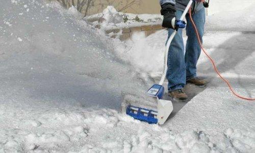 Удобство уборки снега электрической лопатой