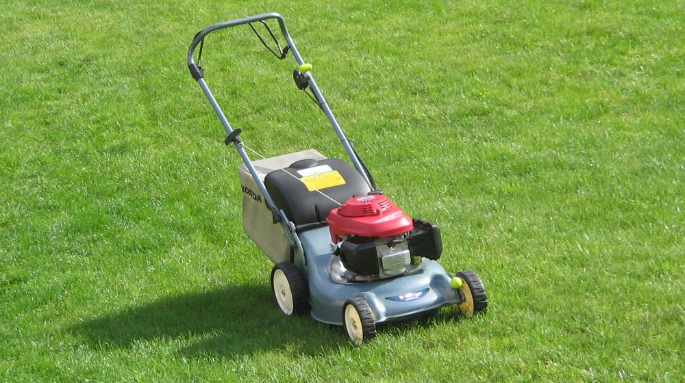 как заточить газонокосилку